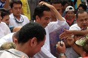 7 Cerita Unik Blusukan Jokowi, Bertemu Bocah Bernama 'Jokowi' hingga Bonceng Iriana di Papua