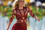 Shakira Pamer Otot Perut Saat Tunjukan Bikin Rancangannya