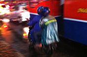 Viral, Bahaya Jas Hujan Ponco buat Pemotor
