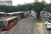 Mobil Terobos Jalur Busway Saat 'Car Free Day', Sopir Diduga Mabuk