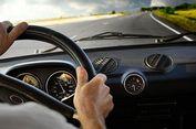 Tips Berkendara Agar Mobil Irit BBM