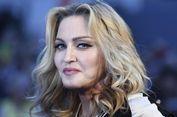 Belajar Percaya Diri dan Menghargai Tubuh dari Madonna...