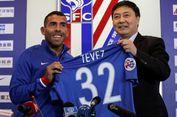 Tevez Cedera Saat Bermain Bola di Penjara