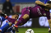 Aguero Berkelahi dengan Suporter Setelah Man City Disingkirkan Wigan