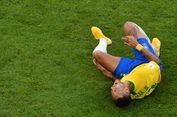 Bela Neymar, Dani Alves Sebut Pengkritik adalah Orang Lemah