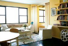 Merancang Apartemen Tipe Studio Terkesan Lapang