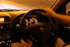 Atur Suhu AC saat Berkendara di Malam Hari