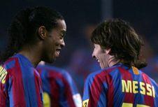 Aksi Gocekan Ronaldinho Kelabui Legenda Man United