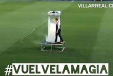 Uniknya Presentasi Santi Cazorla oleh Villarreal