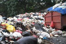 Hari Pertama Lebaran, Volume Sampah di Jakarta Barat Turun 50 Persen