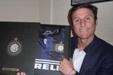 Kartu Merah Pastikan Bek Lazio Ini Gagal Samai Rekor Zanetti