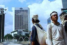 Kaki-kaki Telanjang Penjaja Madu Baduy di Jakarta
