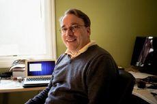 Sempat Diprotes Berperilaku Buruk, Linus Torvalds Kembali Pimpin Linux