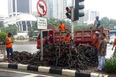 Gulungan Kulit Kabel Kembali Ditemukan di Gorong-gorong Depan Balai Kota DKI
