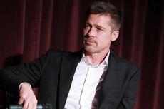 Brad Pitt Terlibat Kecelakaan Mobil Beruntun