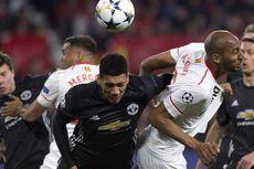 Manchester United Tahan Sevilla, Chris Smalling Puas