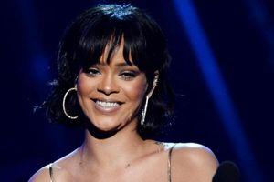 Reaksi Rihanna soal Rumor Kedekatan Chris Brown dan Agnez Mo