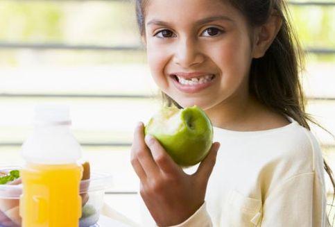 Minum Jus Buah Tiap Hari Tingkatkan Potensi Obesitas pada Anak