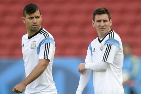 Aguero Tepis Kabar Akan Satu Tim dengan Messi
