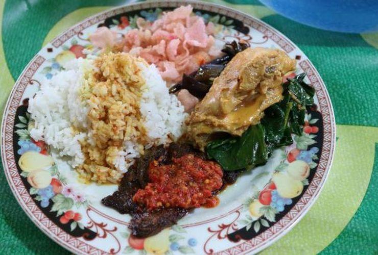 Nasi Padang Tak Selalu Jahat Bagi Tubuh, Tapi...