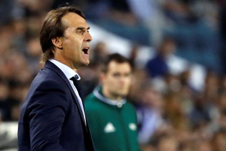Reaksi pelatih Spanyol, Julen Lopetegui, dalam laga Grup G Kualifikasi Piala Dunia 2018 zona Eropa kontra Israel di Stadion Teddy, Jerusalem, pada 9 Oktober 2017.