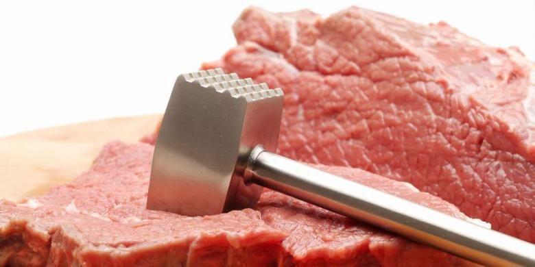 Gunakan parutan nanas untuk membuat daging kambing jadi lebih empuk