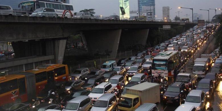 Dari 3,5 Juta Mobil di Jakarta, Baru Sekitar 180.000 Kendaraan yang Lulus Uji Emisi
