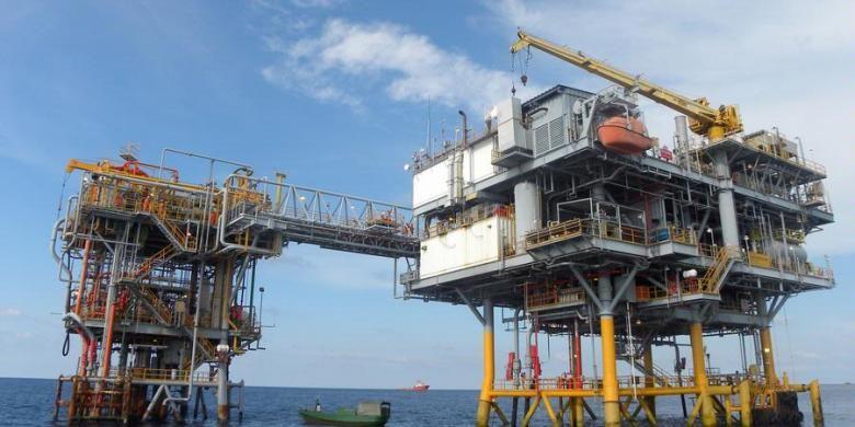 Ilustrasi pengeboran minyak lepas pantai.