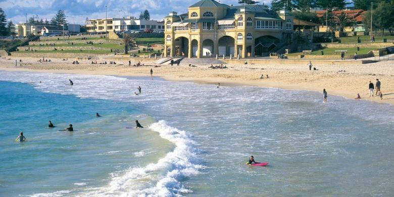 Pemandangan pantai Kota Perth, Australia