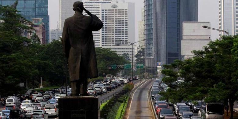 Kemacetan lalu lintas di Jalan Sudirman, Jakarta, Kamis (01/10/2012).