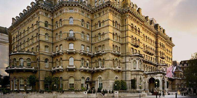 Hotel ultramewah pertama milik Langham adalah Langham Hilton di London Portland Plaza. Putri Diana dan Pangeran Charles pernah bermalam di sini.