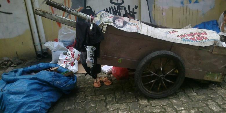 Gerobak milik Wahyu (37) yang biasa digunakan untuk mengais rezeki di Jakarta.