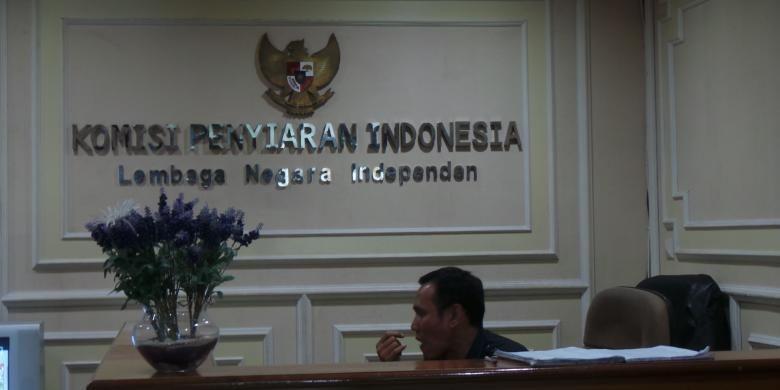 Kantor Komisi Penyiaran Indonesia (KPI) Pusat di Gedung Sekretariat Negara Lantai VI, Jalan Gajah Mada nomor 8, Jakarta Pusat.