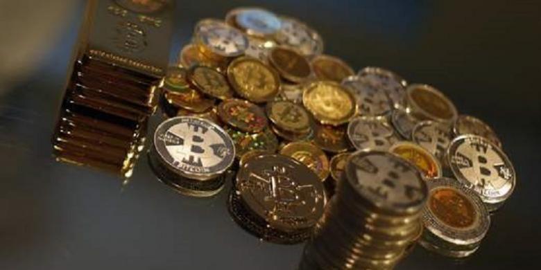 Ilustrasi mata uang virtual atau mata uang kripto, salah satunya yakni bitcoin