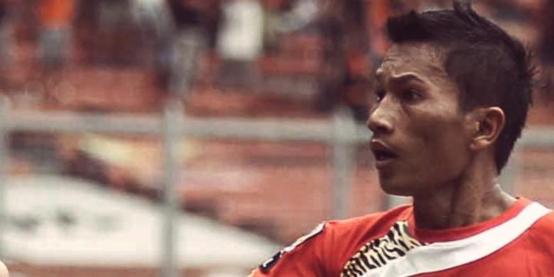 Bek Persija Jakarta, Ismed Sofyan