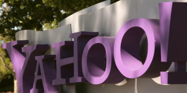 Yahoo menyangkal mengetahui penyadapan.