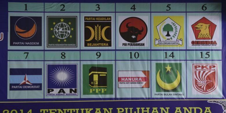 Logo dan nomor urut partai politik peserta Pemilu 2014 terpasang di lobi Gedung RRI, Jakarta, Rabu (26/2/2014). Komisi Penyiaran Indonesia diminta tegas dalam menindak pelanggaran dalam peraturan siaran kampanye yang beberapa waktu terakhir kerap terjadi.
