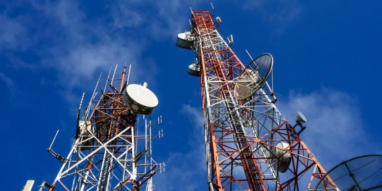 Menara base transceiver station (BTS)