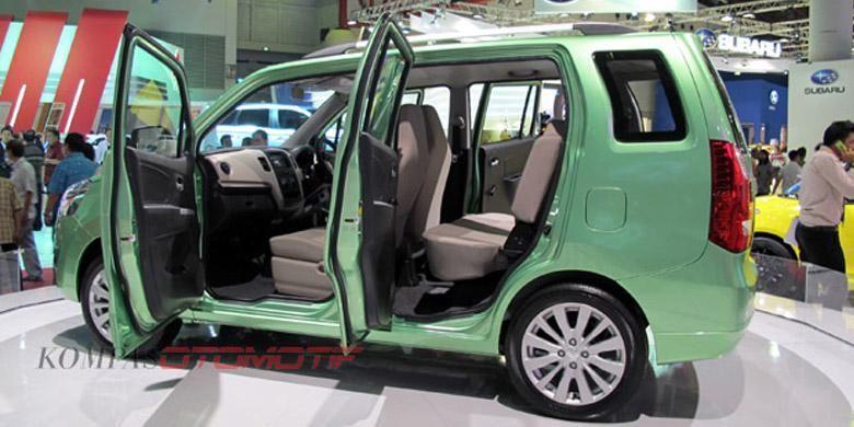 Sosok Karimun Wagon R 3-baris sudah diperkenalkan di IIMS 2013 lalu.