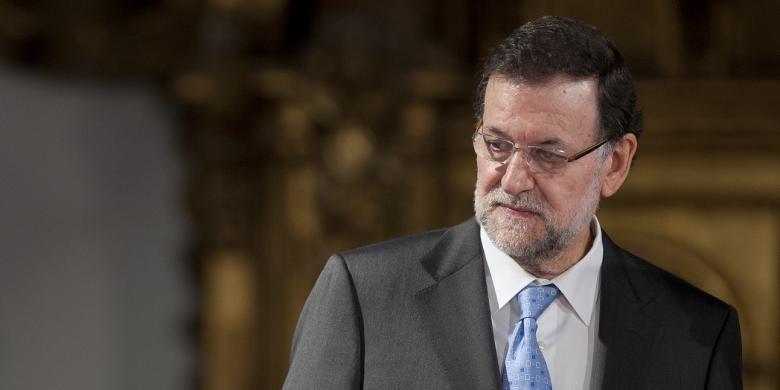 Perdana Menteri Spanyol Mariano Rajoy (kanan).