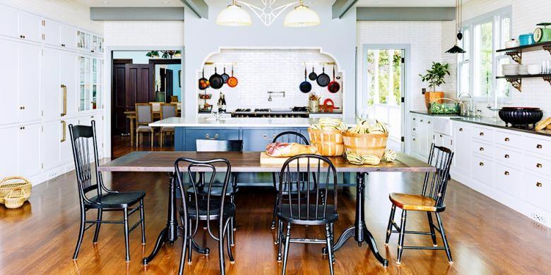 Desainer Jessica Helgerson dan timnya membuat desain dapur untuk sebuah rumah bergaya Victoria di daerah Mount Tabor, Portland. Sang desainer berbagi kuncinya mendapatkan tampilan istimewa di dapur bergaya klasik, namun segar tersebut.