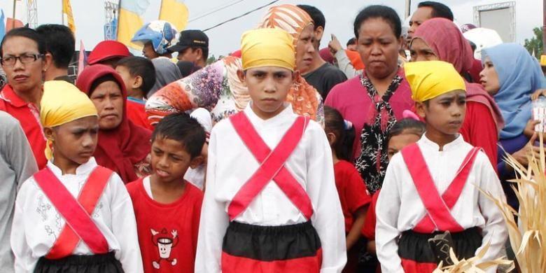 Peserta ritual Sigofi Ngolo di Jailolo, Halmahera Barat, Maluku Utara, Jumat (30/5/2014).