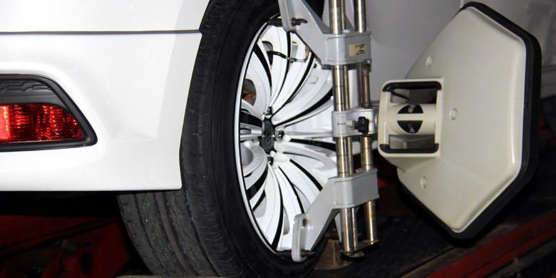 Spooring ban secara rutin menjaga kemungkinan buruk efek jalan rusak.