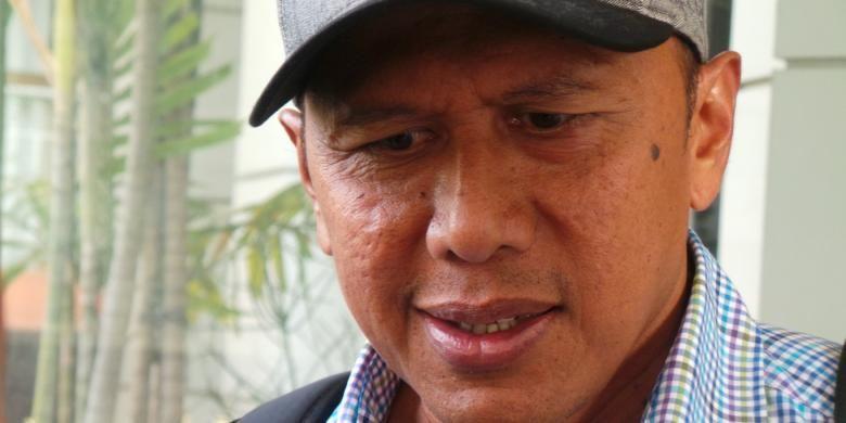 Pelatih T-Team, Rahmad Darmawan.