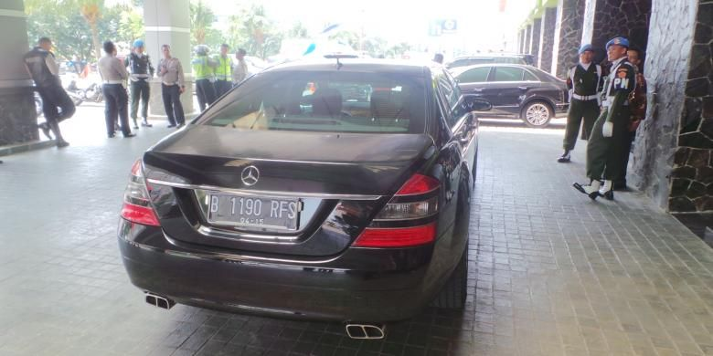 Mobil dinas presiden terpilih Joko Widodo Mercedes Benz.