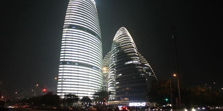 Wangjing SOHO merupakan pengembangan proyek mixed-use terdiri dari tiga struktur yang membuatnya menjadi landmark paling menonjol dalam perjalanan dari bandara di Beijing ke pusat kota.