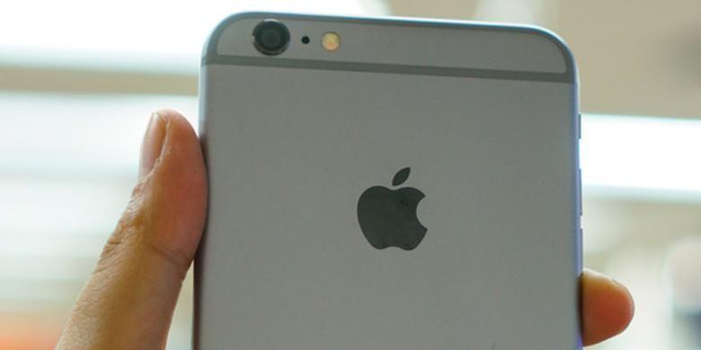 Bagian belakang iPhone 6 Plus terbuat dari anodized aluminium seperti biasa. Di sini bertengger unit kamera 8 megapixel yang dilengkapi optical image stabilizer.
