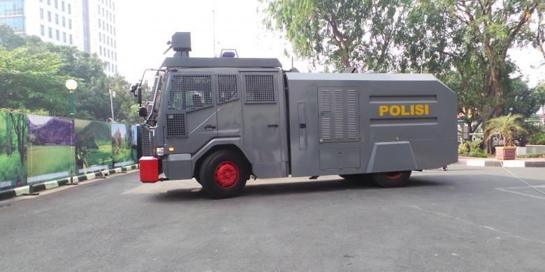 kendaraan water canon milik kepolisian