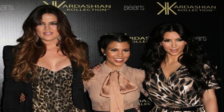 Image result for liburan glamour dibali kim kardashian