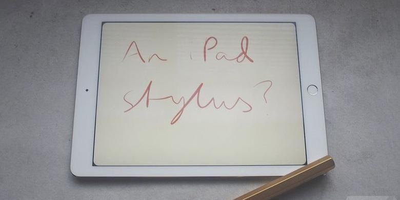ilustrasi iPad menggunakan stylus